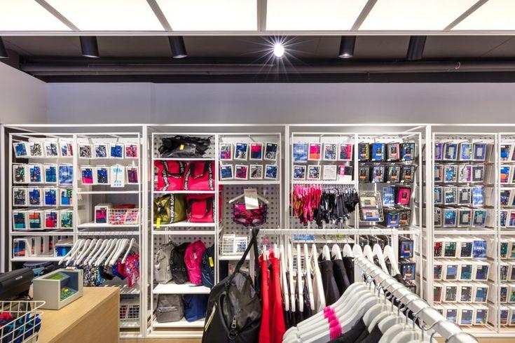 I hjärtat av Haarlem har Björn Borg Store flyttat in i en hörnbutik. Inredningen följer det senaste butikskonceptet som fokuserar på justerbara skåp...