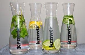 Recepten voor lekker kraanwater,  •Snij een sinaasappel in vier stukken en pers het sap uit in het water. Voeg tot slot de vier stukken sinaasappel toe voor nog meer kleur en smaak.  •Prak een handje vol aardbeien of frambozen met een vork. Voeg dit toe aan je water en roer goed door.  •Knijp in je hand wat verse munt fijn. Voeg dit toe aan het water samen met een scheutje citroen- of limoensap. Avontuurlijk ingesteld? Voeg dan nog wat plakjes komkommer toe.