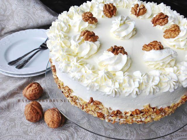 Raspberrybrunette: Mrkvová torta s orechami
