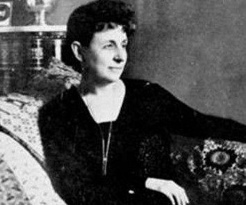 Η Πηνελόπη Δέλτα, (Αλεξάνδρεια της Αιγύπτου 1874 - Αθήνα 1941) ήταν Ελληνίδα συγγραφέας, γνωστή κυρίως από τα ιστορικά της μυθιστορήματα για παιδιά, η σημαντικότερη ίσως γυναικεία φυσιογνωμία στις κρίσιμες για τον Ελληνισμό πρώτες δεκαετίες του 20ου αι