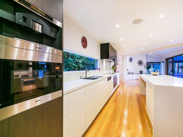 Strickland Drive |  Kitchen | Appliances | Minimalist detailing