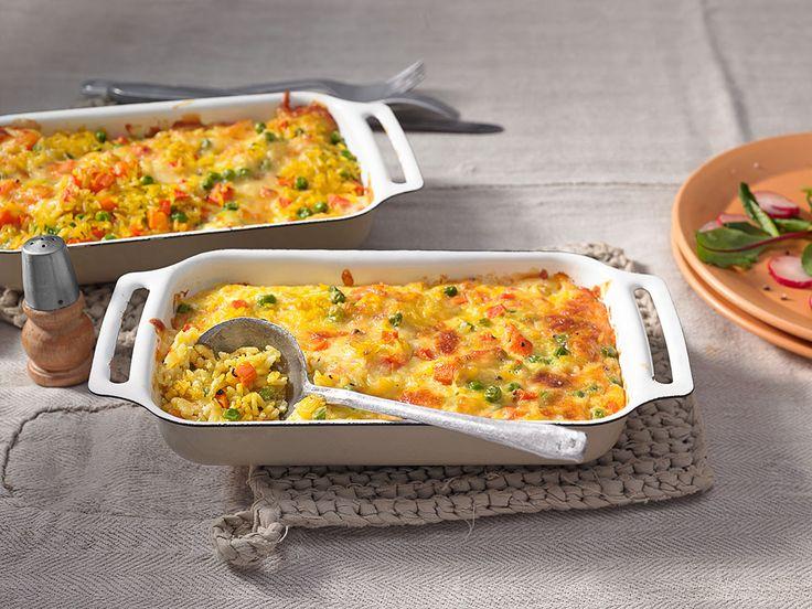 Reis-Gemüseauflauf mit Möhren und Erbsen