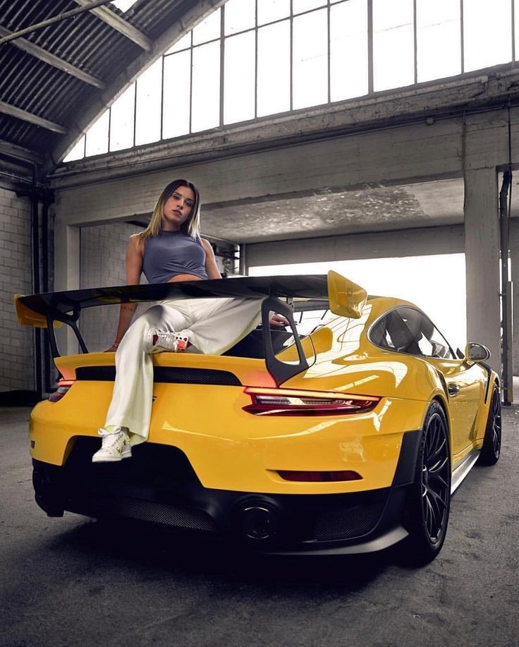 Super Car Girls Every Men Needs To See 20 Pictures In 2020 Car Girls Porsche Models Super Cars