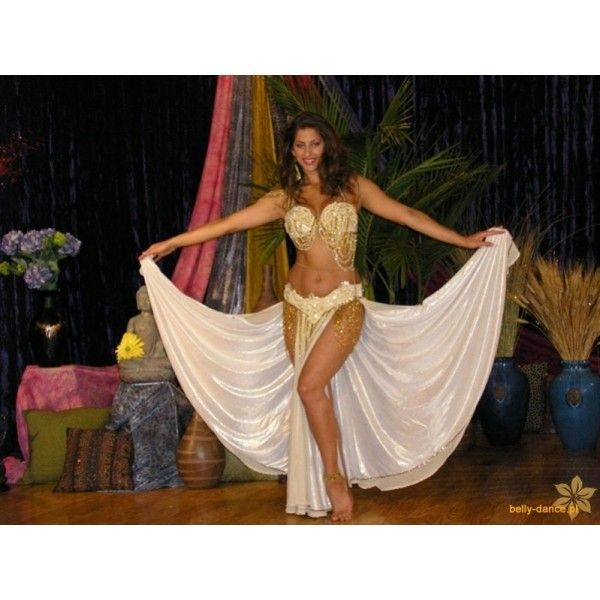 Sadie - Galeria - taniec brzucha ❤ liked on Polyvore featuring belly dancing, backgrounds and outfit