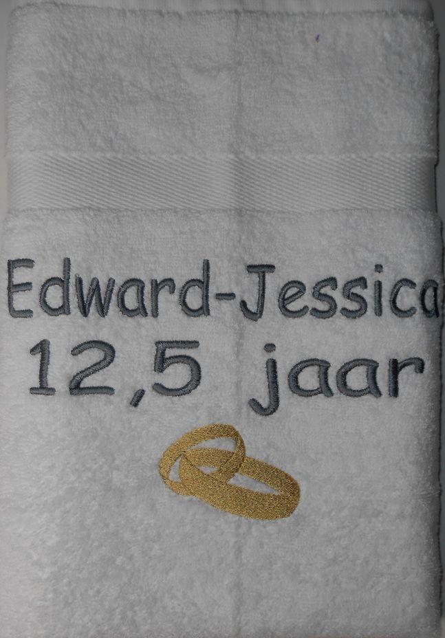 12.5 jaar getrouwd http://www.borduurkoning.nl/shop/bad_textiel/douchelaken/douchelaken_ivoor