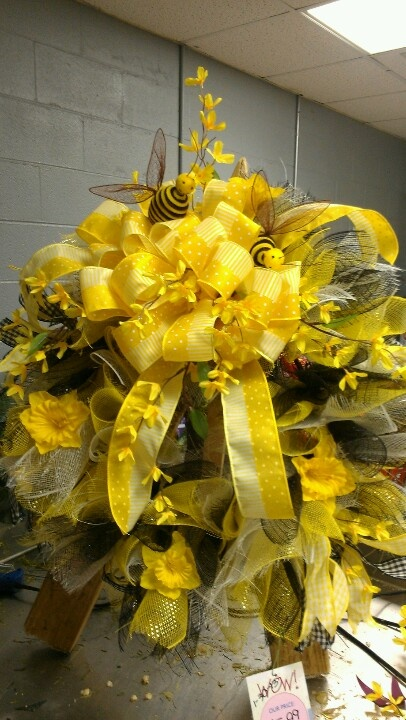 Busy Bee Mesh Wreath By Kelly Columbiaq Store SOLD