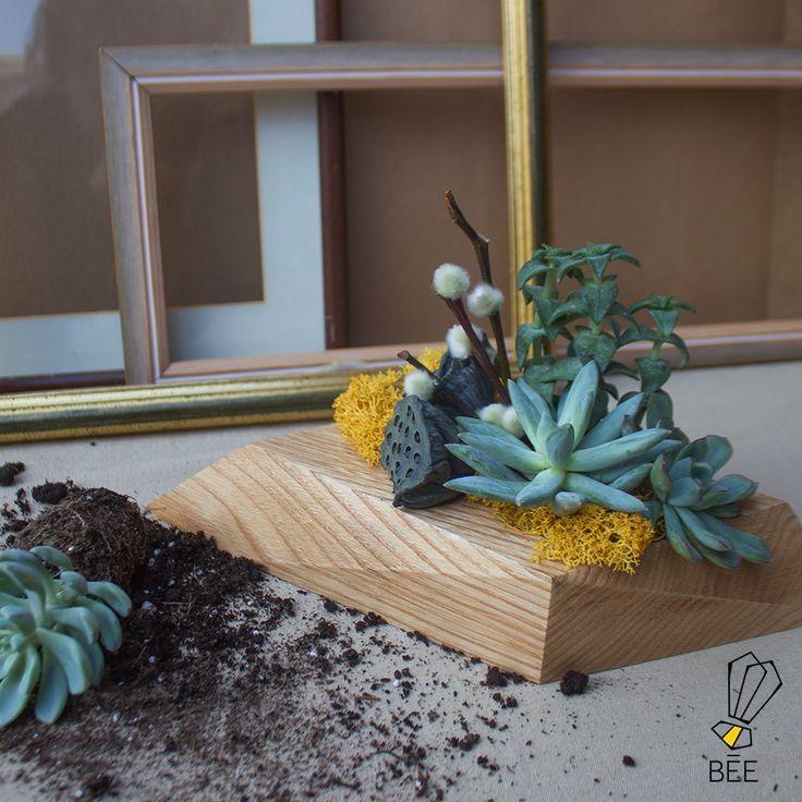 Natural, asimetrik, göz alıcı! Sipariş için: zeynep@beedesignandflowershop.com adresinden iletişime geçebilirsiniz.#beedesignandflowershop#art#design#decoration#jar#interiordesign#indoorgardening#nature#treebowl#plant#asparagus#justice#green#sculpture#flower#concept#handmade#succulent#çiçek#tasarım#bitki#yeşil#aranjman#arrangement#ahşap#wood#woodplanter#wooddesign#saksı#çiçektasarımı