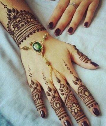 Clasicos Y Originales Tatuajes Hindues En Las Manos Tatuajes En El