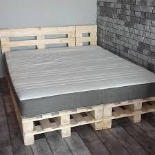 Bildergebnis für кровать из поддонов