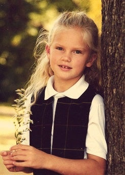 Taylor Swift when she was little - so cute!!