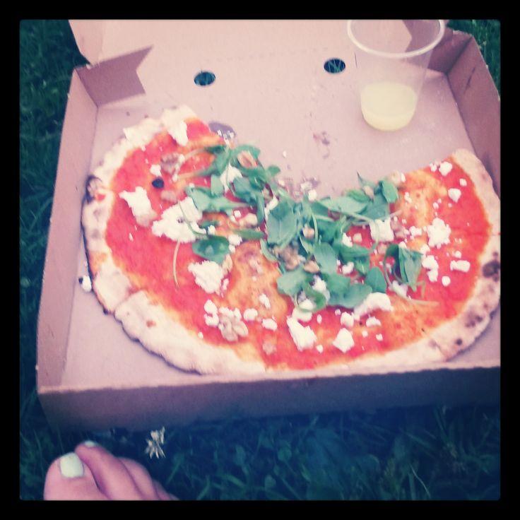 New find! Eetwinkel Buurman @Erasmuspark #Amsterdam - delicious goat cheese pizza