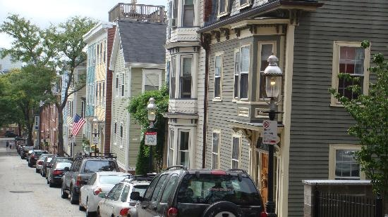 Street Cambridge end of Freedom Trail