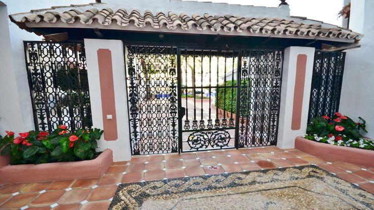 REFORMA DE COMUNIDAD EN JARDINES DEL PUERTO, PUERTO BANUS MARBELLA http://famaser.com/