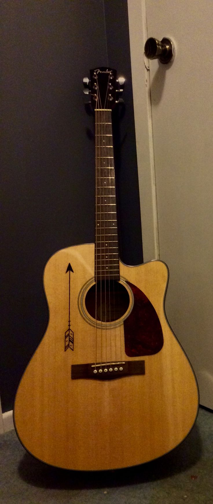 Guitar art: Sharpie arrow on my fender acoustic.