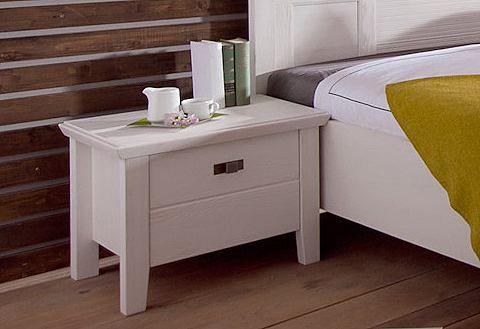 Nachttisch »Casa«. Dieses traumhafte Schlafzimmer-Programm im romantischen Landhaus-Stil ist ein toller Hingucker in jedem Schlafzimmer. Gefertigt aus FSC®-zertifizierter, teilmassiver Pinie, weiß gebürstet (Front massiv, Korpus außen furniert, innen foliert). Griffe aus Metall.  Der platzsparende Nachttisch ist mit 1 Schubkasten ausgestattet, Innenmaße (B/T/H): 36,5/34,/8,5 cm. Außerdem ist ei...