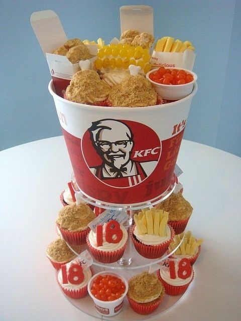 KFC Cake and Cupcakes | Community Post: 27 Fast Food Themed Cakes That Are Like Works Of Art