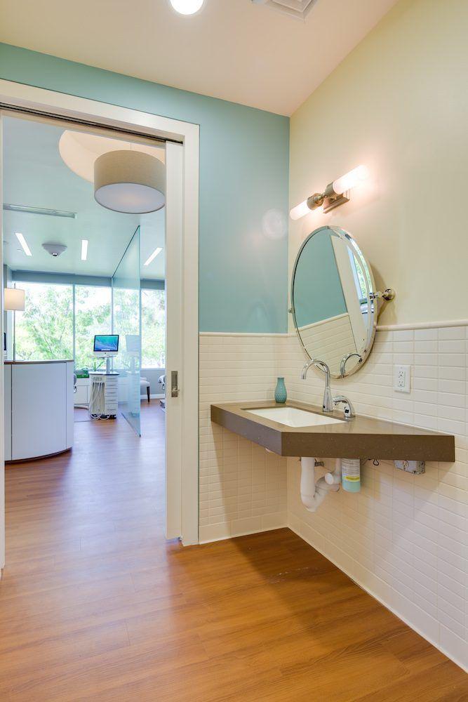 Best 25+ Dental office design ideas on Pinterest   Office ...