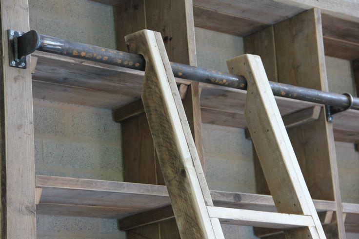 Steigerhouten maatwerkkast met trap - Inndoors Meubelen en Interieur