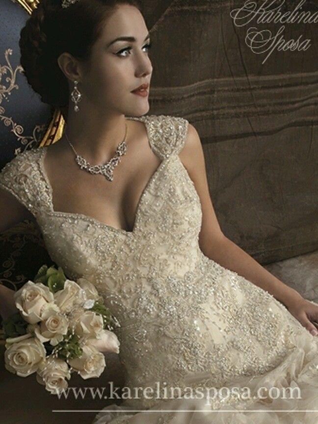 wedding dress by karelina sposa