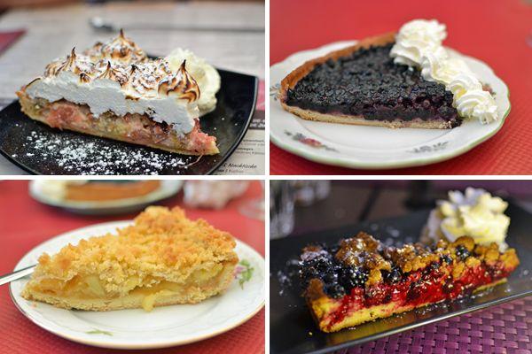 En Alsacia, debido a la influencia alemana, es habitual encontrar tartas de fruta en los restaurantes Tarta de ruibarbo y merengue. 2. Tarta de arándanos. 3. Tarta strudel de manzana. 4. Tarta de frutos rojos..