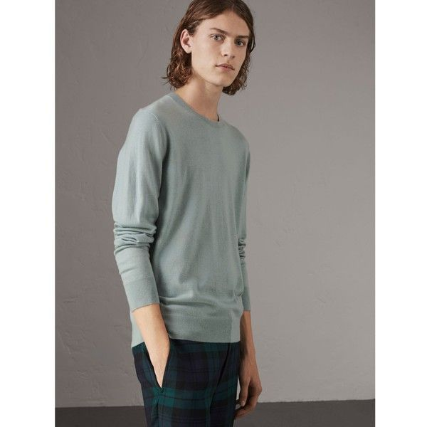 Burberry Check Jacquard Detail Cashmere Sweater ($450) ❤ liked on Polyvore featuring men's fashion, men's clothing, men's sweaters, mens cashmere sweaters, mens lightweight sweaters, mens crewneck sweaters, burberry mens sweater and mens crew neck sweaters
