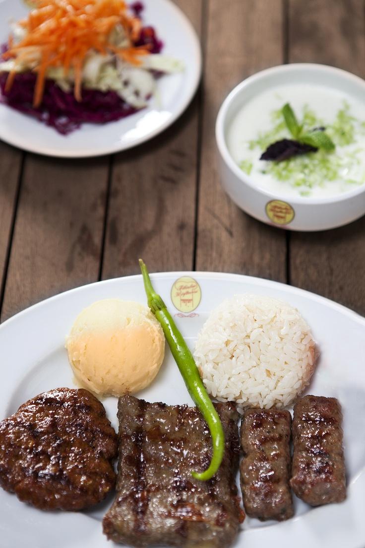Various Meatball Plate With Cacik