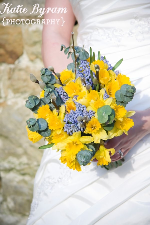Daffodil wedding bouquet   http://photographybykatie.co.uk/