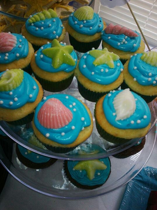 the sea theme cupcakes baby shower if its a boy baby shower