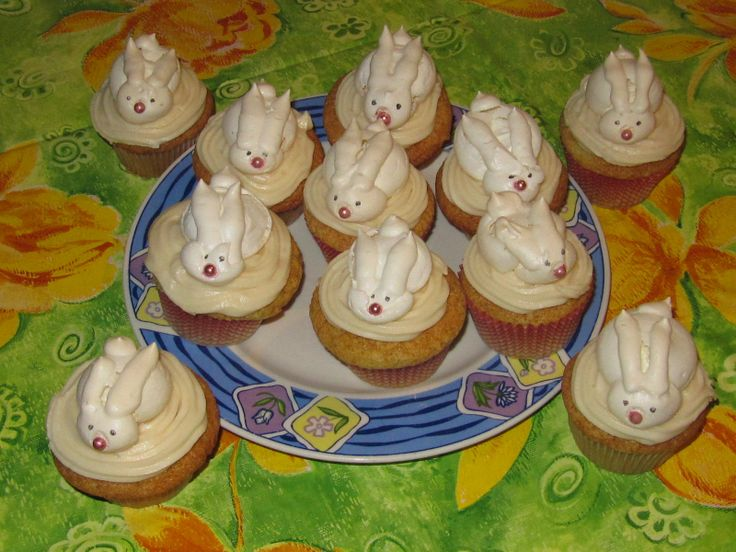 HAPPY EASTER! Pumpkin cupcakes with Bailey's buttercream and a meringue bunny.