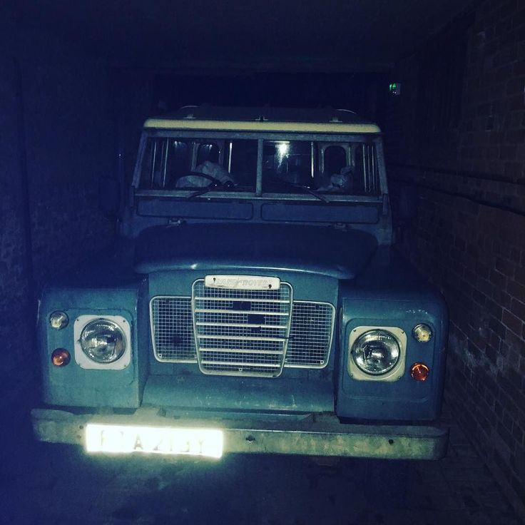 Little gem hiding away! #icon #defender #landroverdefender by barton.chris Little gem hiding away! #icon #defender #landroverdefender