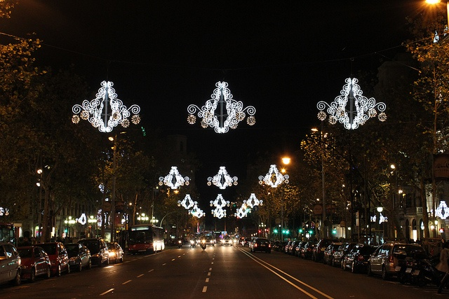 Barcelona wears Christmas // Photography by Carla Alonso