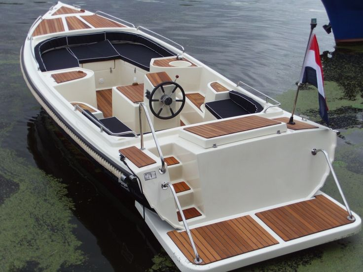 Image result for luxe sloep | Ontario 28 sailboat | Boat, Classic wooden boats, Power boats