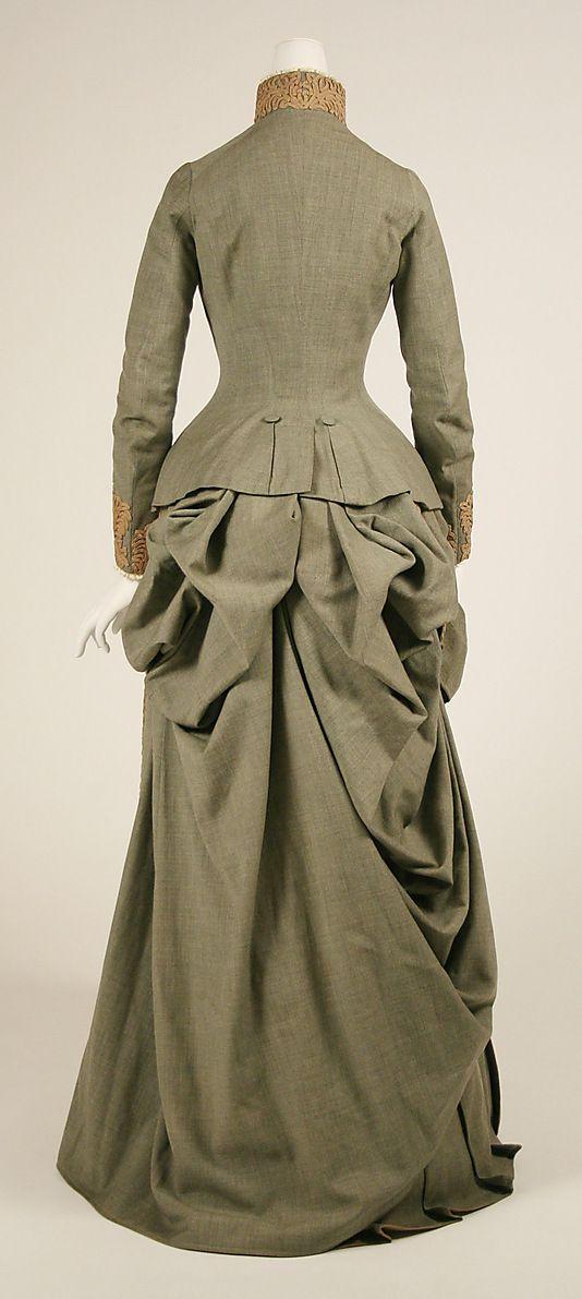 1887 .... Wedding Ensemble by Herman Rossberg ... wool ... American ... at The Metropolitan Museum of Art ... photo 4