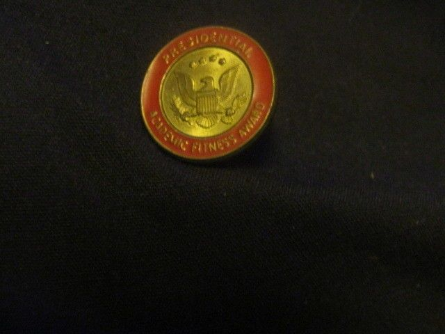 Presidential Academic Fitness Award Lapel Pin Red & Gold Toned Presidential Seal