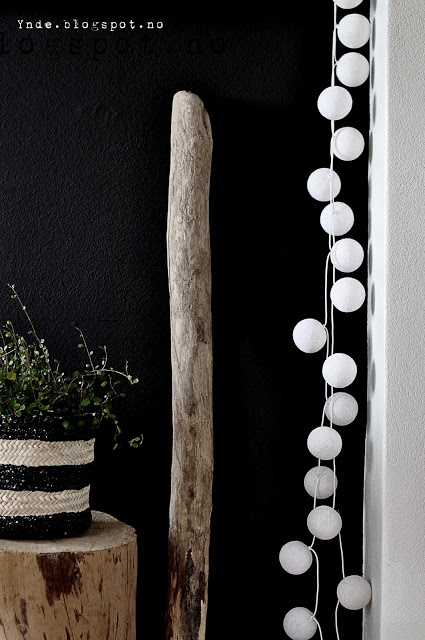 Wood, green plant, black, white, happylights ♥