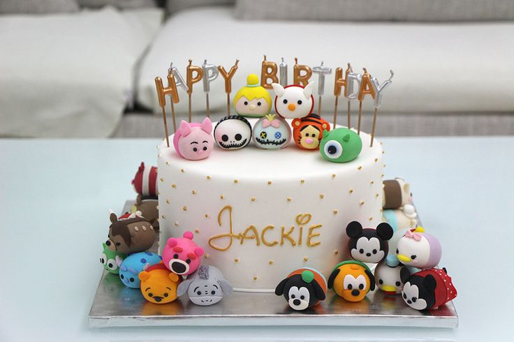 @r5moores this is so cute!!! with those osmi or I'm unsure what they're called..but i would use real ones not fondant ones