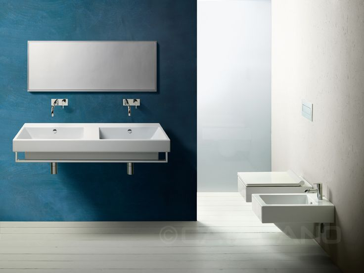 Zero 125_Double washbasin for wall-hung, semi inset or sit on installation. 0, 1 or 3 double tapholes. Front chrome brass towel-rail available.