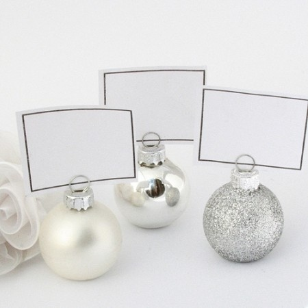 Spread the festive cheer with bauble place cards or photo holders at your winter wedding! All you need to do is put something on the bottom or inside with some weight, to keep it from rolling or tilting!