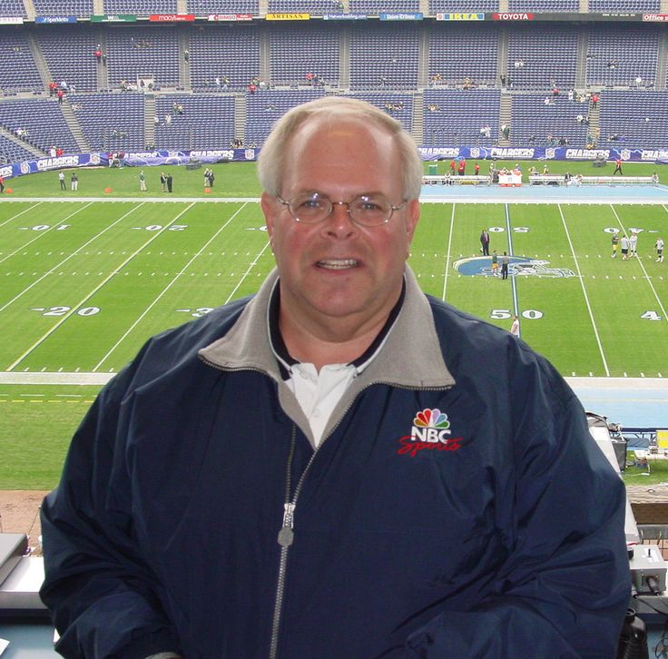 45...Eli Gold (born December 15, 1953) is an American sportscaster. Gold is best known as the radio voice for the Alabama Crimson Tide football team, along with Tom Roberts, as part of the Crimson Tide Sports Network since 1988.