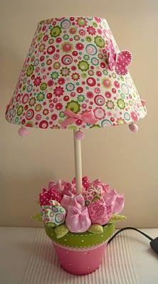 20 idei pentru confectionarea florilor din diverse materiale, ce pot deveni decoratiuni interesante Daca iti place lucrul de mana si vrei sa iti petreci timpul relaxandu-te, iti propunem idei creative pentru confectionarea florilor din diverse materiale. http://ideipentrucasa.ro/20-idei-pentru-confectionarea-florilor-din-diverse-materiale-ce-pot-deveni-decoratiuni-interesante/