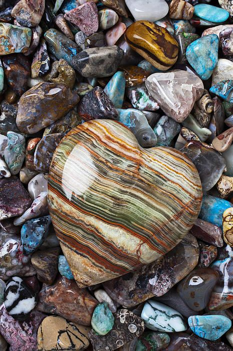 Hearts God made that beautiful rock I wish it was mine