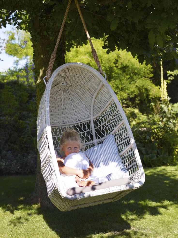 Evelyn swing from Georgia garden by Sika-Design