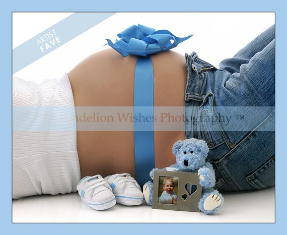 cute maternity picture...aaww sweet