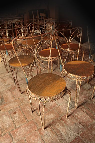27 best sedie e poltrone images on pinterest cinema for Mobili da giardino in ferro antichi