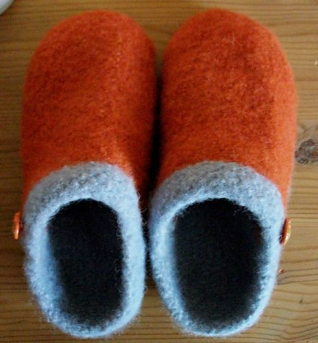 Felted Slippers Knitting Pattern : 25+ Best Ideas about Felted Slippers Pattern on Pinterest Simple pattern, M...