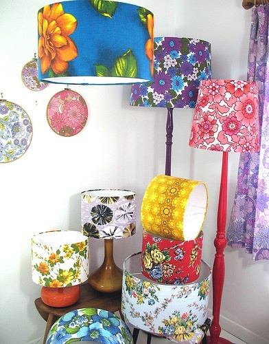 lamps lamps lamps: Decor Ideas, Lamps Shades, Colors Lampshades, Flowers Prints, Diy Gifts, Floral Lampshades, Barkcloth Lampshades, Lamps Lamps, Great Ideas