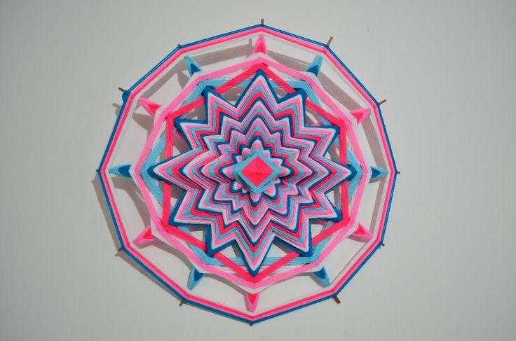 Mandala en lana 12 puntas - 50 cm