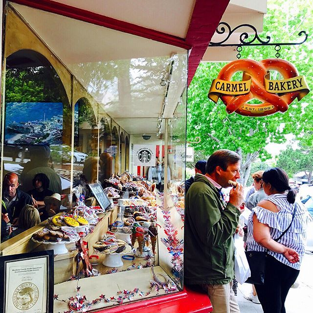 """CARMEL"" . . MONTEREY➡️PEBBLE BEACH➡️CARMEL June 24, 2017 샌프란시스코 근교 여행🚌 💜Carmel by the sea . . . 예술적, 문학적 도시라는 카멜. 다양하고 멋진 갤러리와 푸르른 나무의 자연을 동시에 느낄 수 있었던 카멜. 와인 테이스팅 할 수 있는 곳도 많았는데 못가봐서 아쉬웠지만! . . . #미국 #캘리포니아 #샌프란시스코 #샌프란시스코근교  #tour #restaurant #sanfrancisco #san #travel #trip #usa #샌프란근교 #trip #traveling #pebblebeach #carmel #winetasting #carmelbythesea #interior #design #montereylocals #pebblebeachlocals - posted by Jae Hee https://www.instagram.com/pin_kbea - See more of Pebble Beach…"