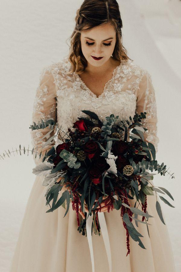 20 Ideen Zu Rock Einen Dunklen Lippenstift Auf Ihrer Hochzeit Hochzeitsinspirationen Wedding Winter Hochzeit