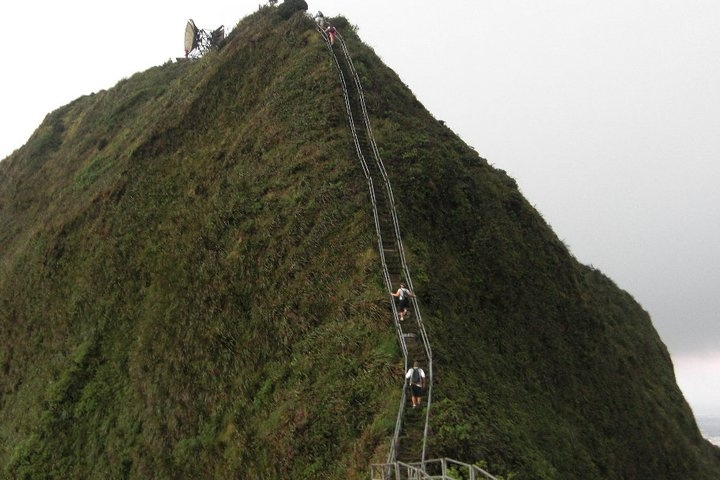 Year in Review - hikes on Oahu. Need to tackle some of these.